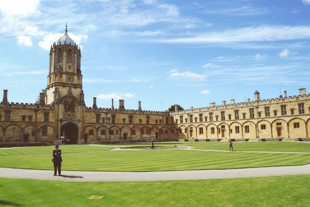 Globemigrant, Oxford University  Undergraduate scholarship